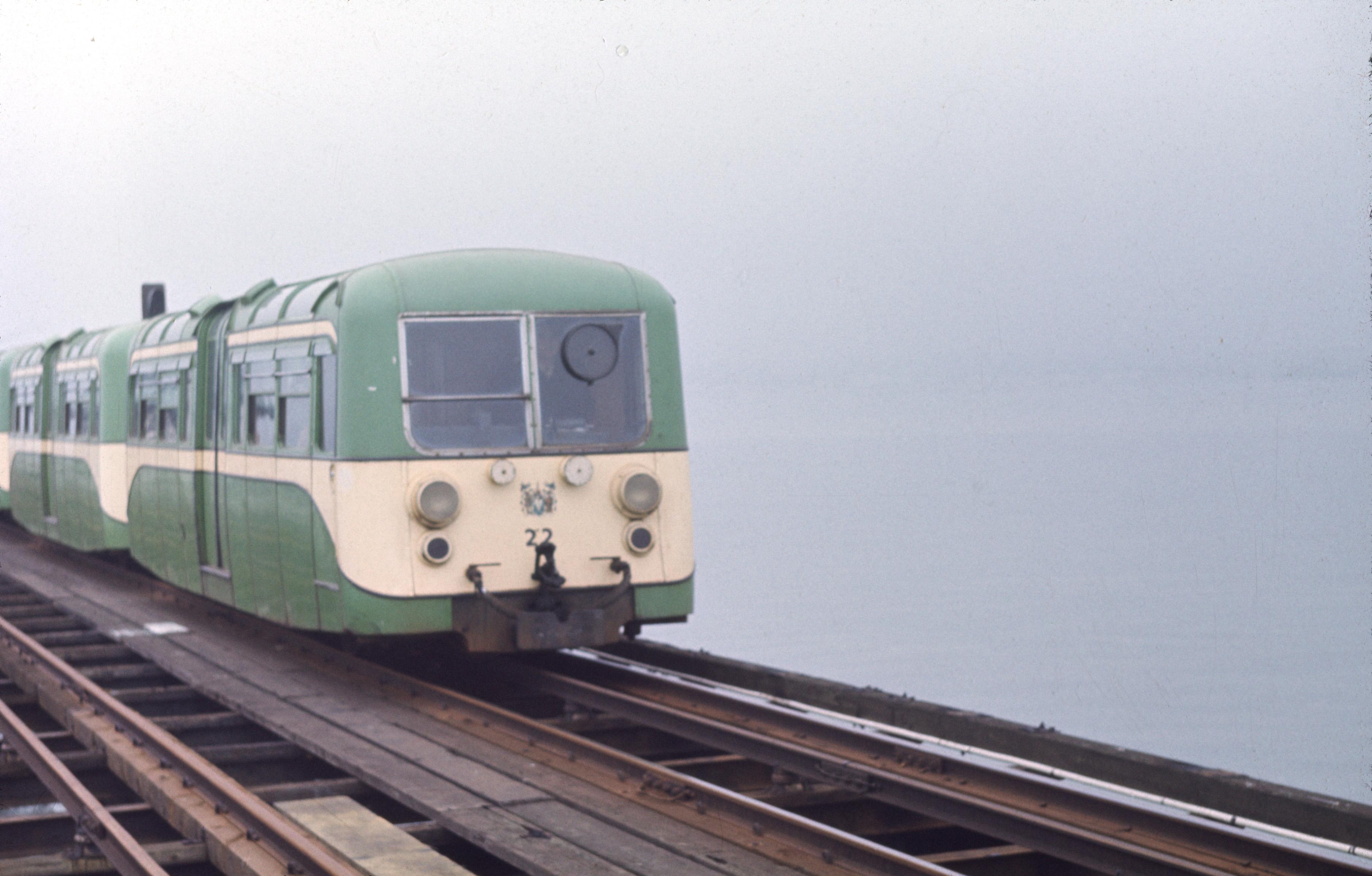 Pier Train